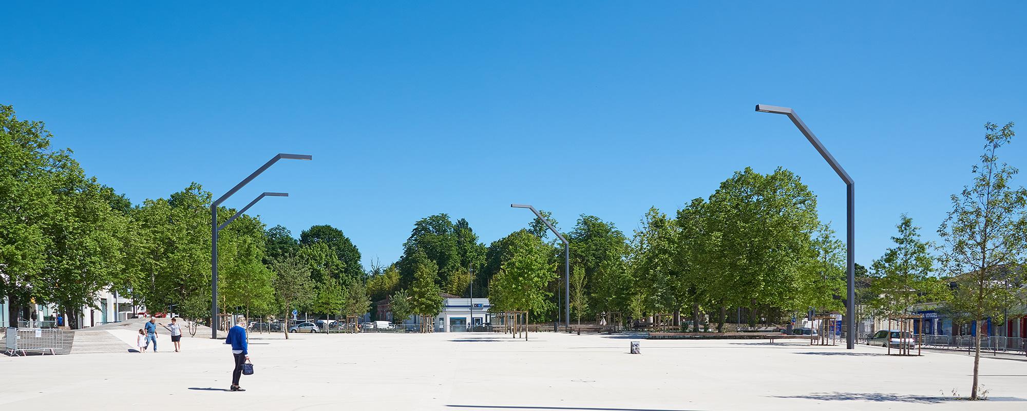 D_St-Medard-en-Jalles_Republique1
