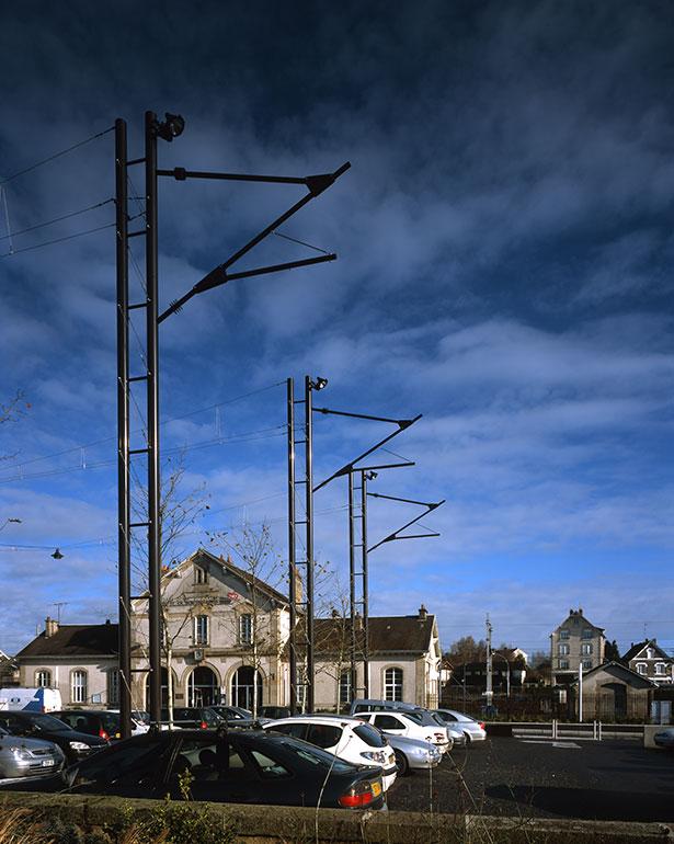 Railway station esplanade