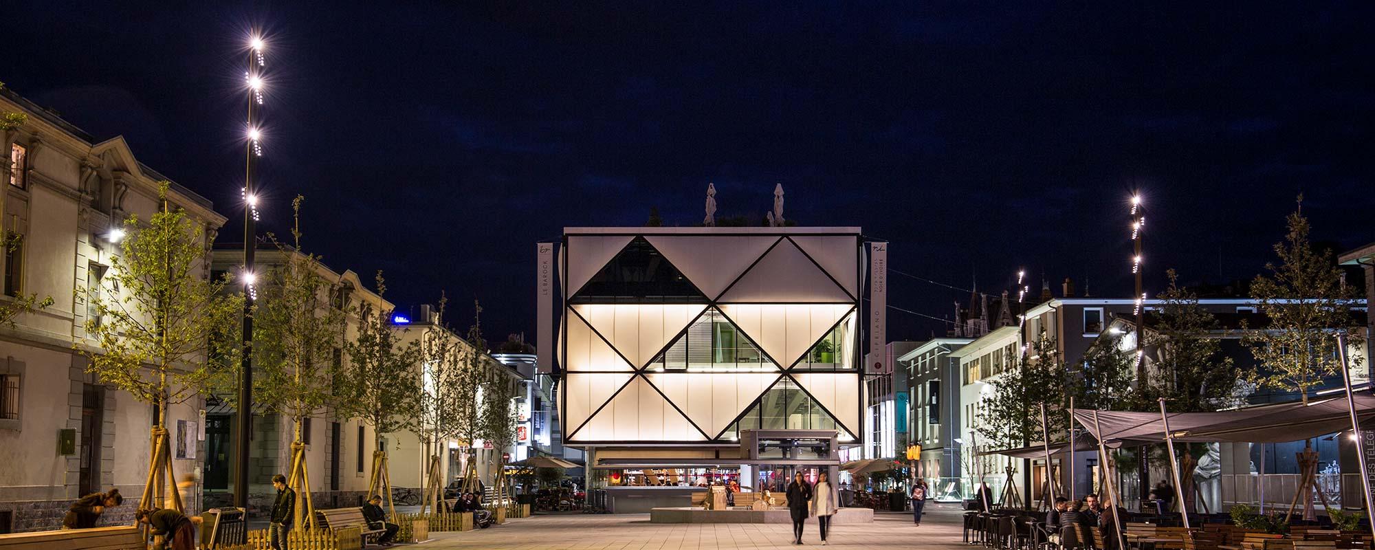 D_Lausanne_Place-du-Flon_1